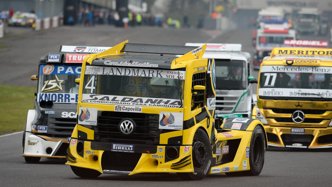 Felipe Giaffone vence na Argentina pela Copa Truck