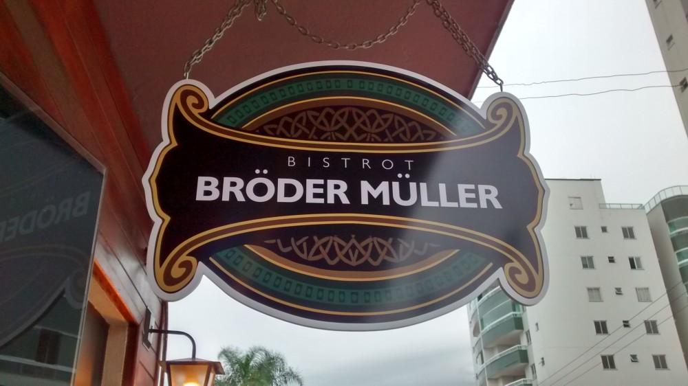 Bröder Müller Bistrot, um reduto do blues e da comida caseira em Itajaí