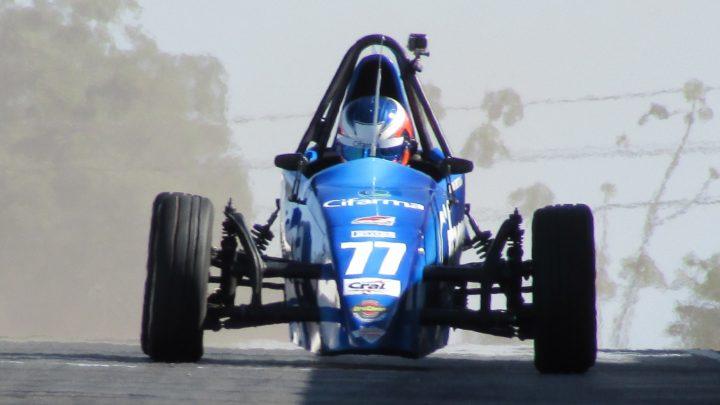 Nathan Brito perto do título da Fórmula Vee