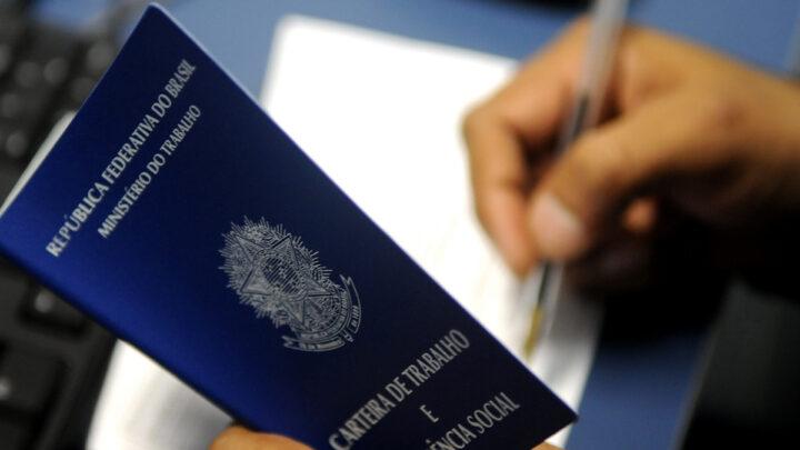 Itajaí oferece mais de 900 vagas de trabalho