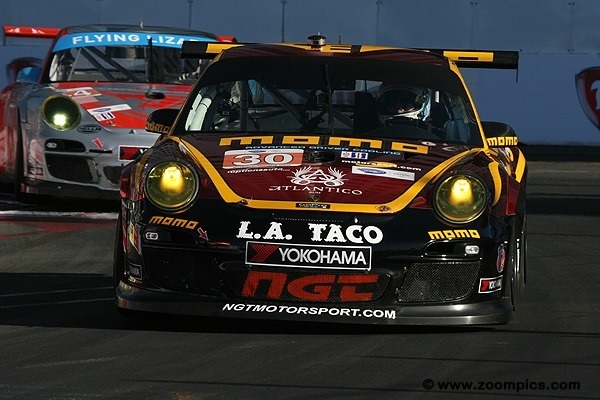 Porsche da NGT vence na classe GTC