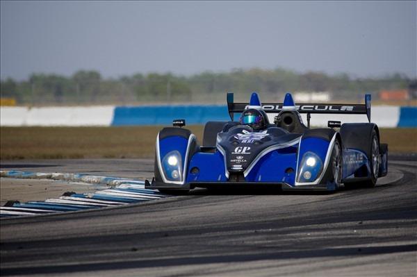 PR1 vence depois de um belo pega com a Core Autosports.