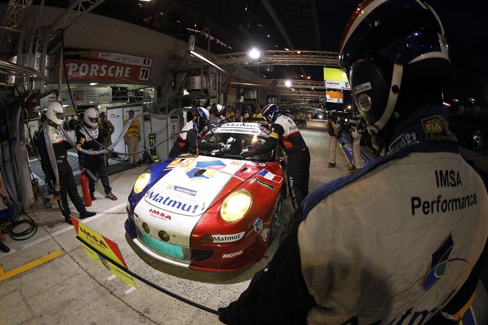 Porsche vence também na AM com a IMSA