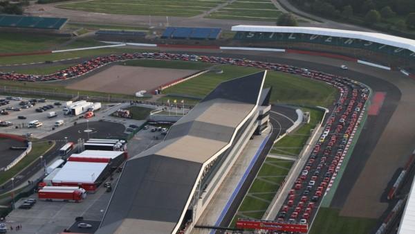 Ferrari-parade-at-Silverstone-Circuit-aerial-view_thumb-25255B2-25255D