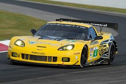 Corvette #4 supera dupla da SRT e vence na GT
