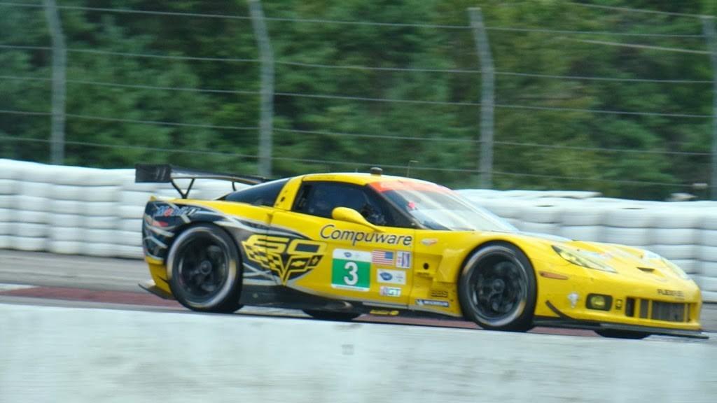 Covette segurou pressão de BMW e Viper e venceu com #3