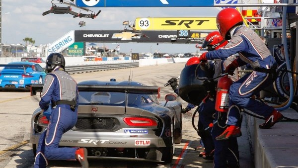 GTLM_SRT_No91_Pits_thumb-25255B1-25255D