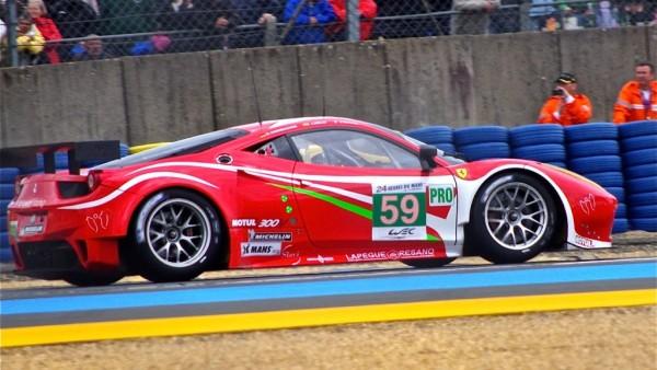 Ferrari_458_Italia_Luxury_Racing