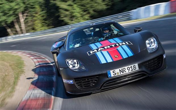 #18 é uma homenagem ao 918 Spyder, recordista em Nurburgring