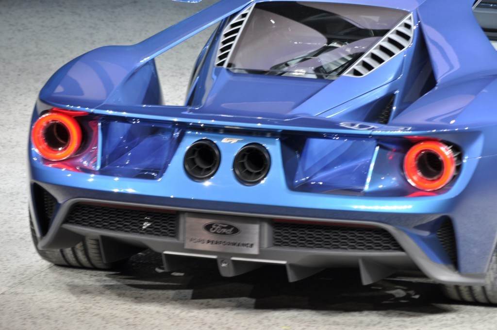 ford-gt_100496720_l