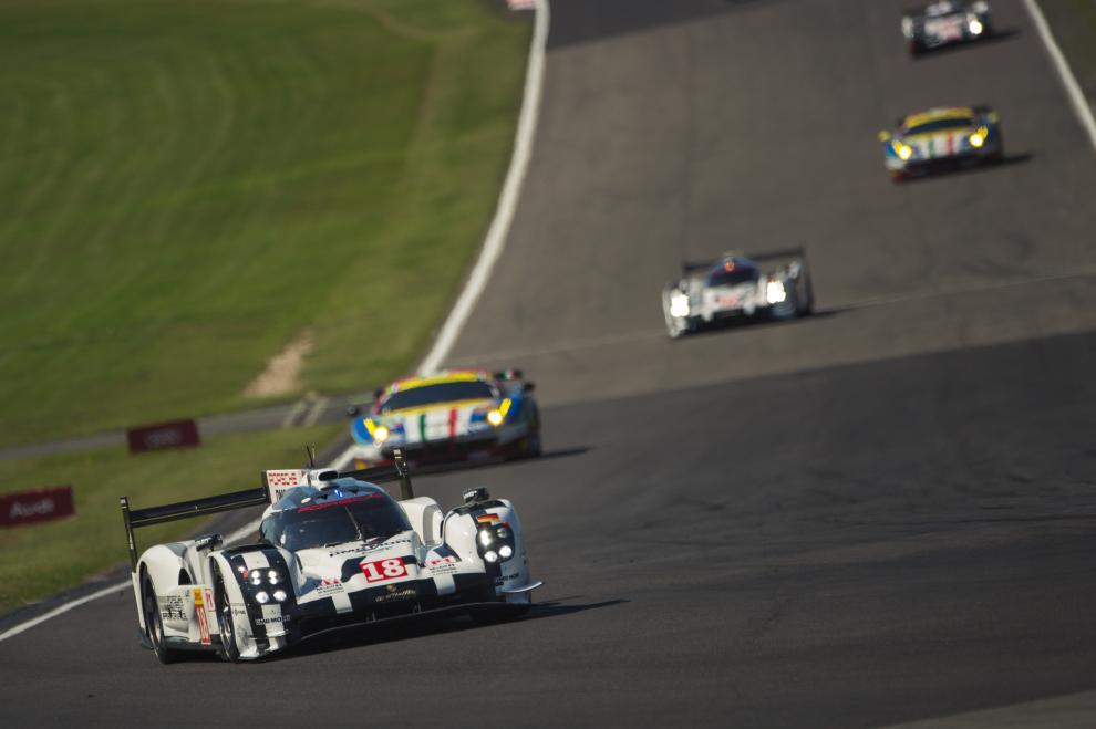 No endurance protótipos e GTs correm juntos. (Foto: FIAWEC)