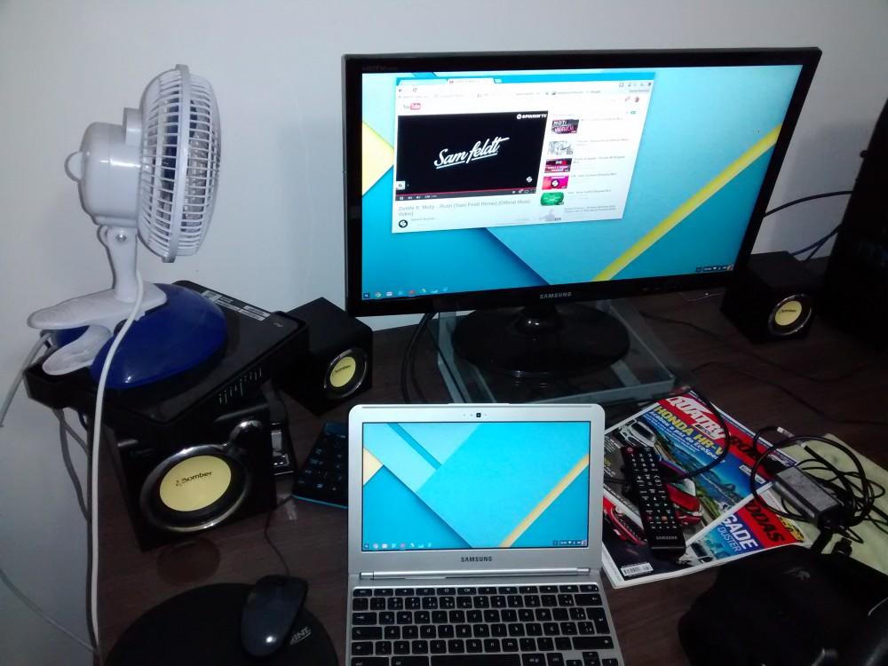 Se precisar de uma maior área de trabalho, é só ligar no monitor.