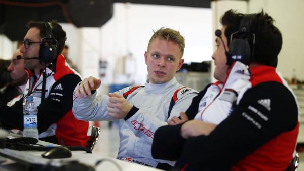 Piloto participou de testes com a Porsche em Barcelona. (Foto: Porsche AG)