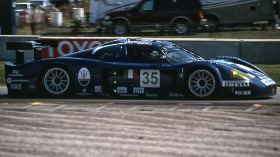 Modelos como o Maserati MC 12 roubavam a cena na finada classe GT1. (Foto: Arquivo MP)
