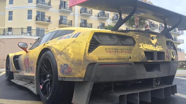 Quanto mais Corvette melhor. (Foto: IMSA)