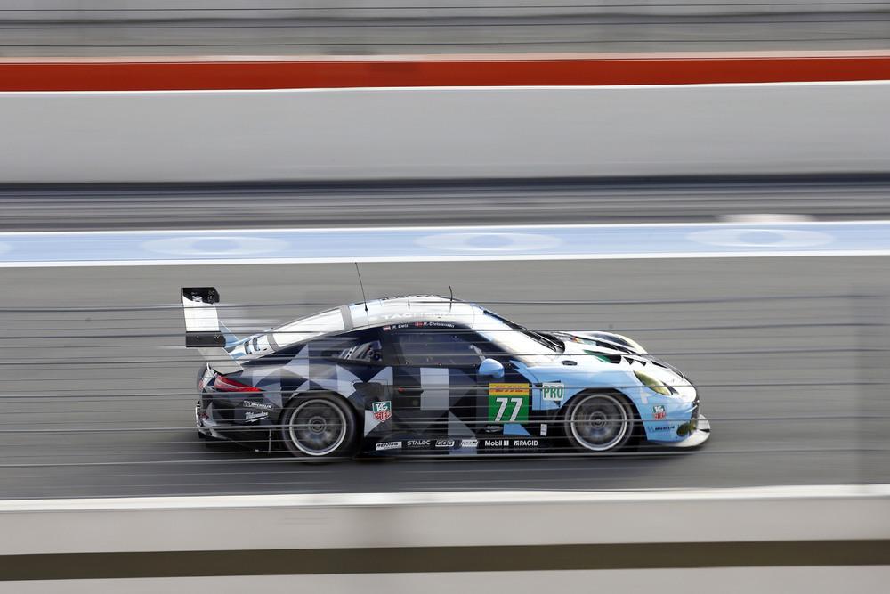 Na classe GTE-PRO do WEC o Porsche #77 de Richard Lietz e Michael Christensen. (Foto: Porsche AG)