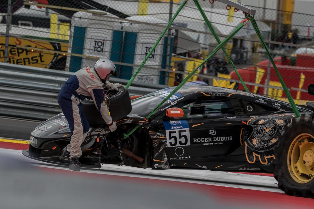 McLaren da FFF Racing não completou 1 curva. (Foto: GT3 Le Mans Cup)