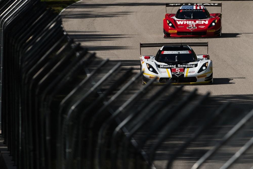 Corvette #31 venceu seguido pelo #5. (Foto: José Mario Dias)