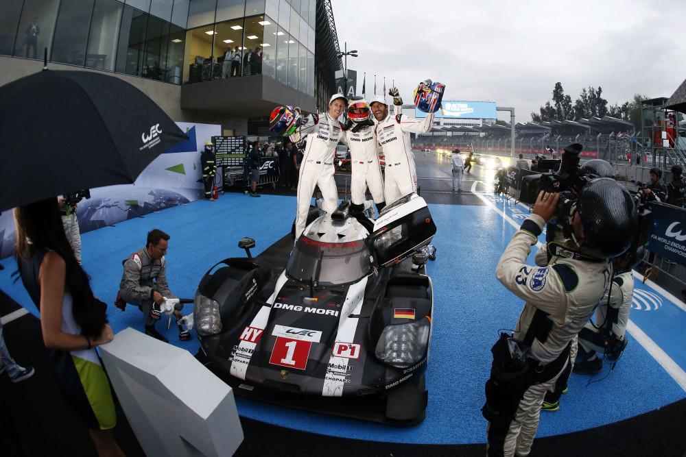 Chuva e punição. Nada disso tirou a vitória do 919 #1. (Foto: Porsche AG)