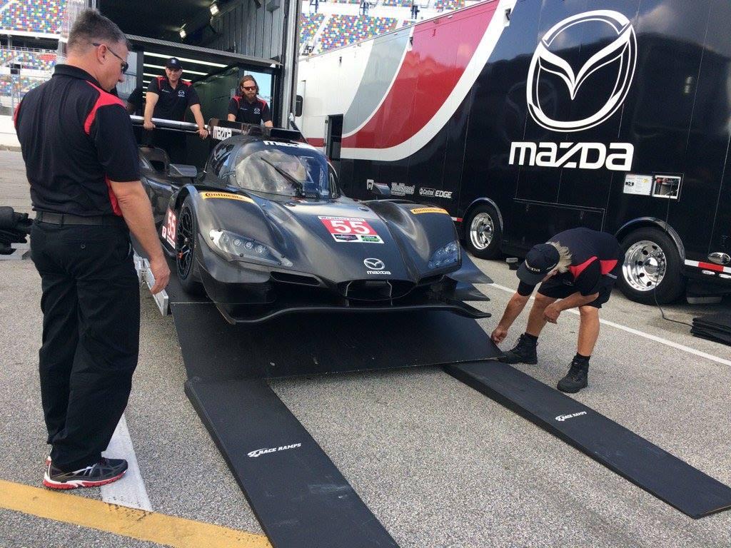 Mazda DPi, o mais bonito do grid. (Foto: Divulgação IMSA)