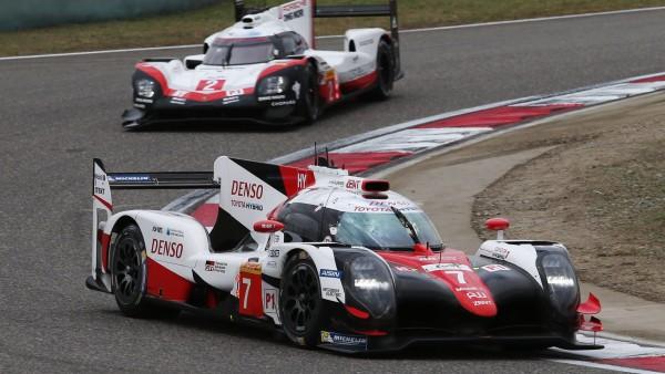 Equipe japonesa não deu chances para a Porsche (Foto: Toyota)