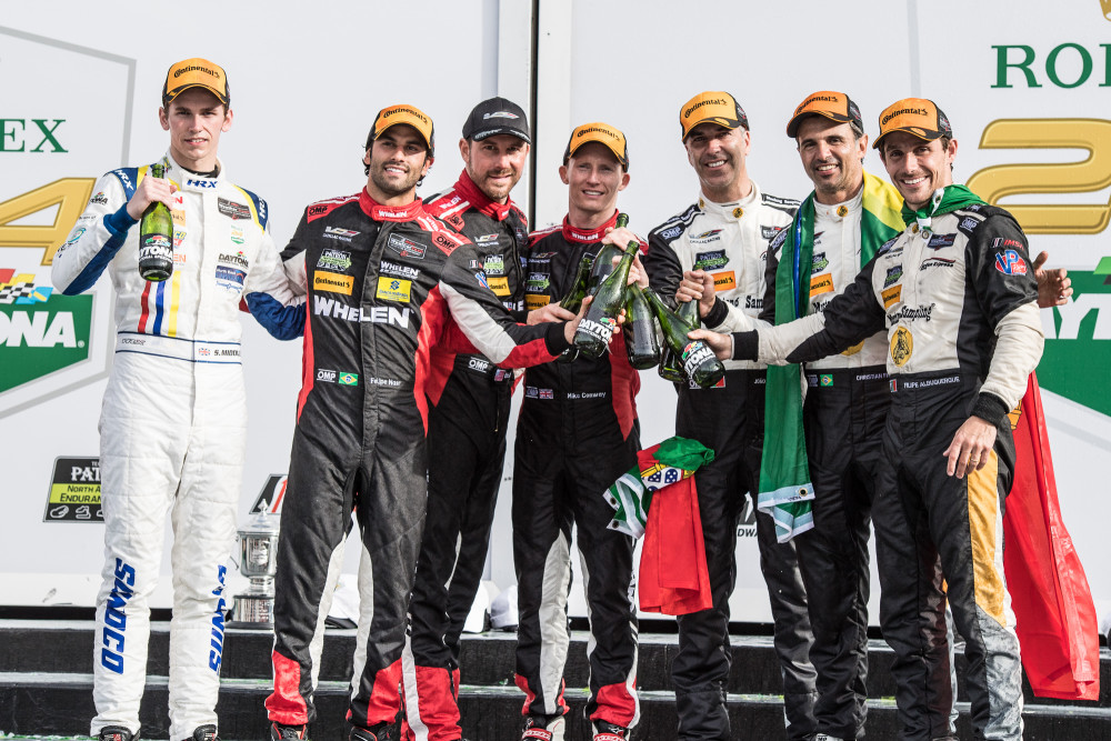 Os pilotos da Action Express Racing celebram dobradinha em Daytona  (José Mário Dias)
