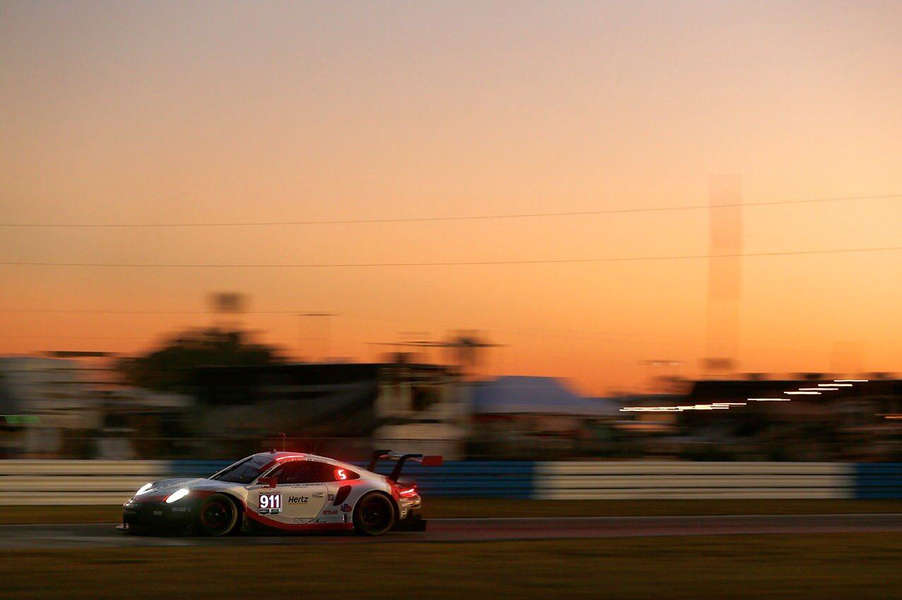 Porsche vence na classe GTLM. (Foto: Porsche AG)