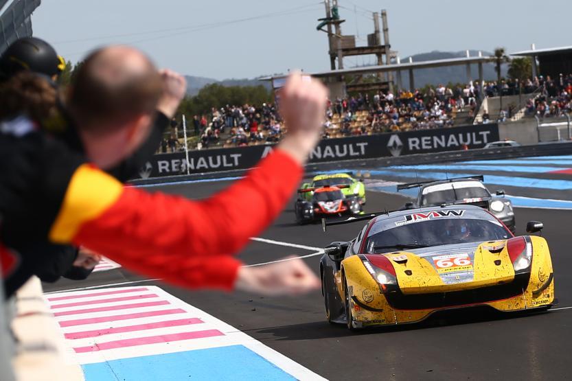 Ferrari vence na GTE e