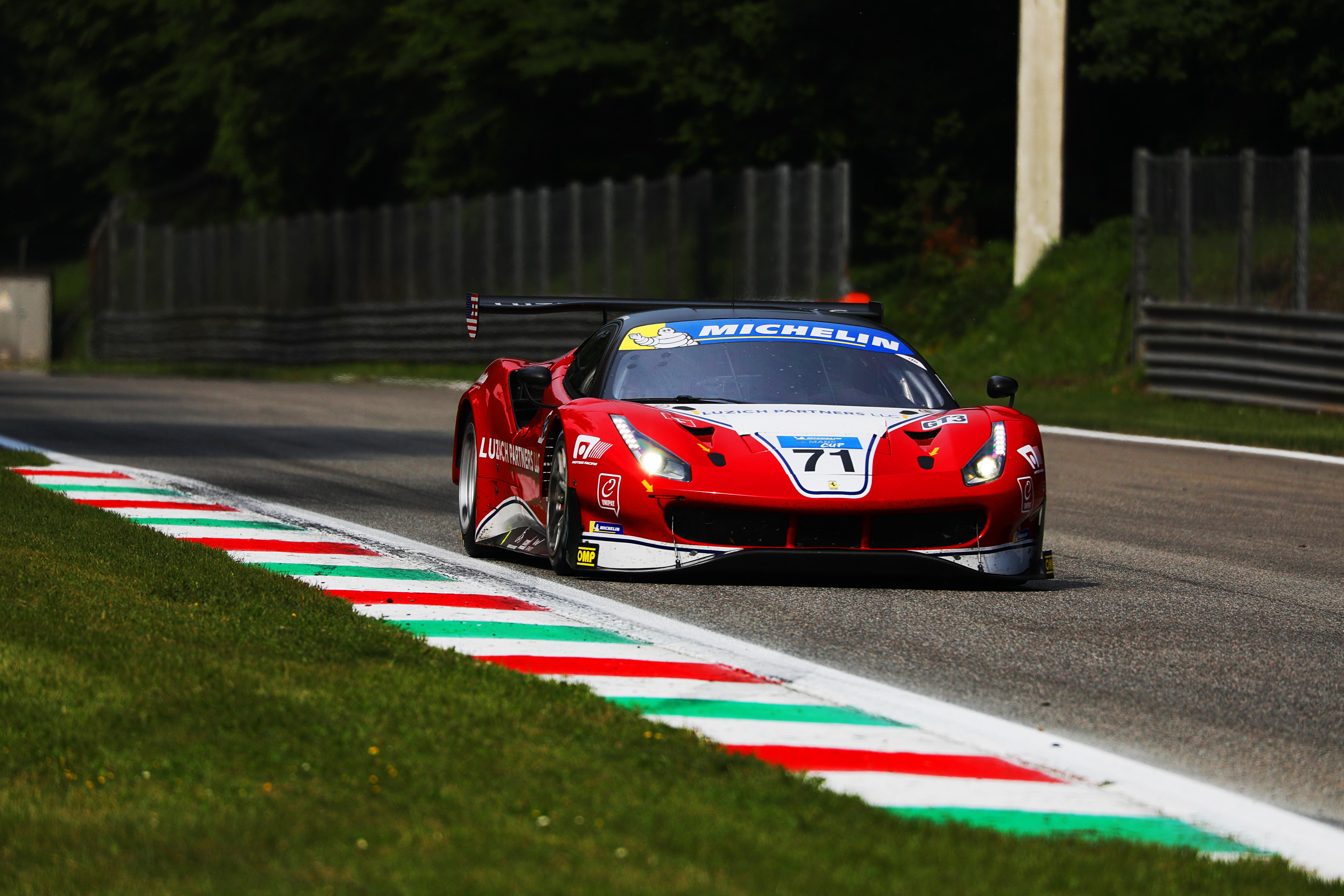 Ferrari da Lazich Racing vence na classe GT3